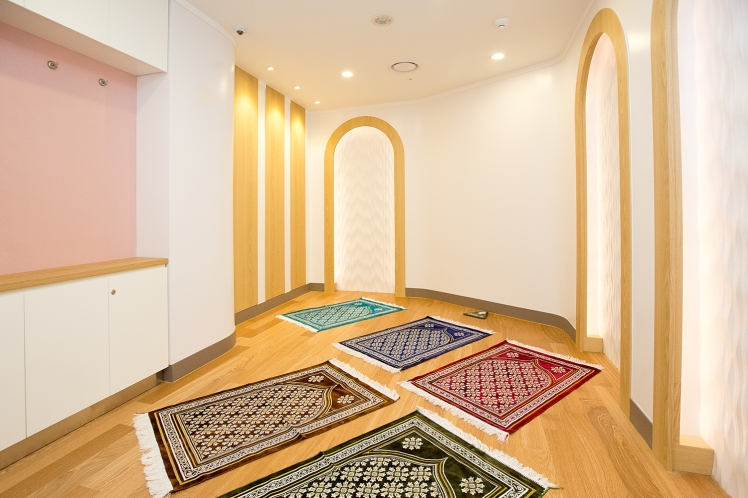 prayer-room-at-lotte-world-6